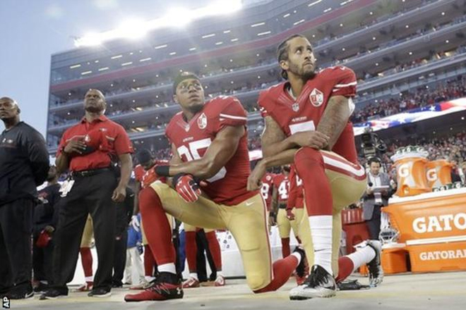 Colin Kaepernick: San Francisco 49ers player continues NFL race protest