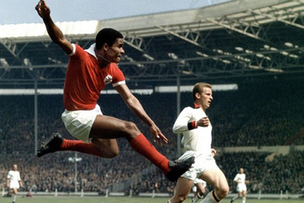 Football legend Eusebio dies at 71