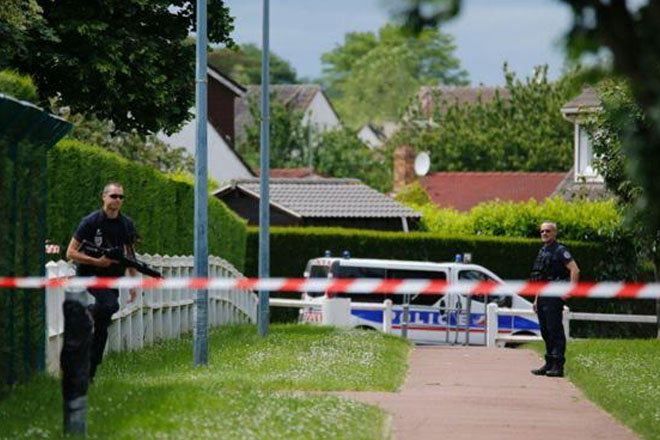 French jihadist police killer 'obeyed Islamic State order'