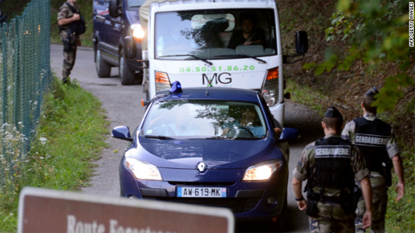 French police search for motorcyclist after Alps killings