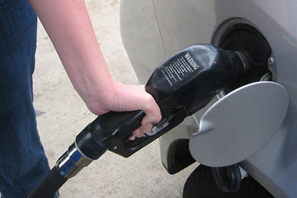 St Lucia govt denies increasing gas prices as global prices fall