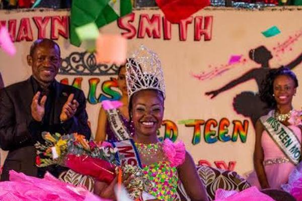 PM Congratulates Carnival Winners