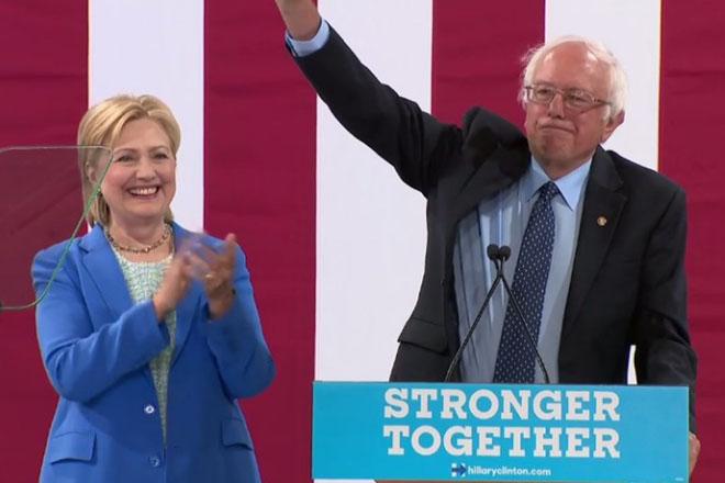 US election 2016: Bernie Sanders endorses Hillary Clinton