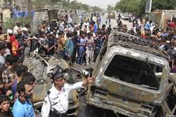 Multiple car bombs kill 16 in Iraq