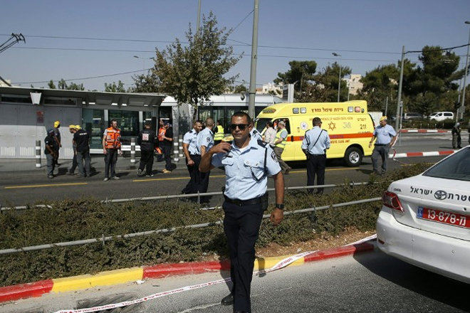 Jerusalem attack: 2 killed, 4 wounded in drive-by shooting, Israeli police say