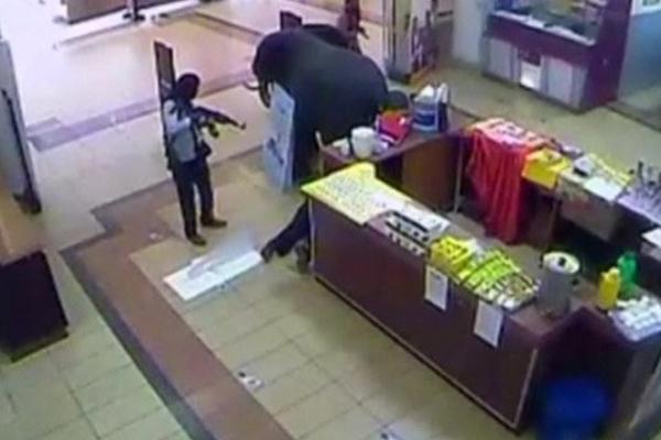 Kenya attack: Westgate mall bodies 'probably gunmen'