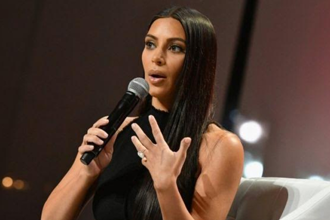 Kim Kardashian robbery: Paris police hunt armed attackers