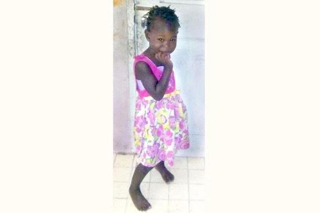 Man accused of killing daughter turns self in, flees