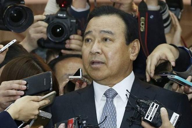 South Korea PM tenders resignation over bribery scandal