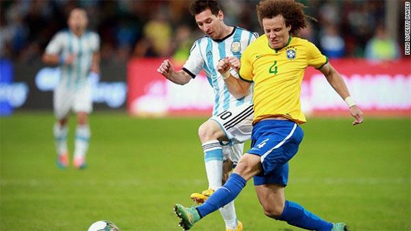 Lionel Messi misses penalty as Brazil defeats Argentina, Suarez returns
