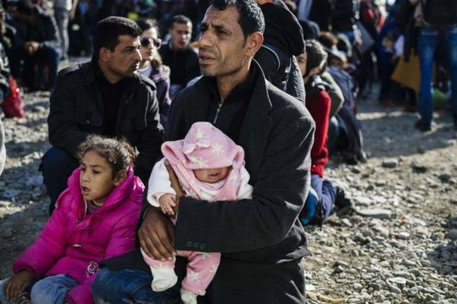 Obama says US governors' refusal of refugees 'hysterical'