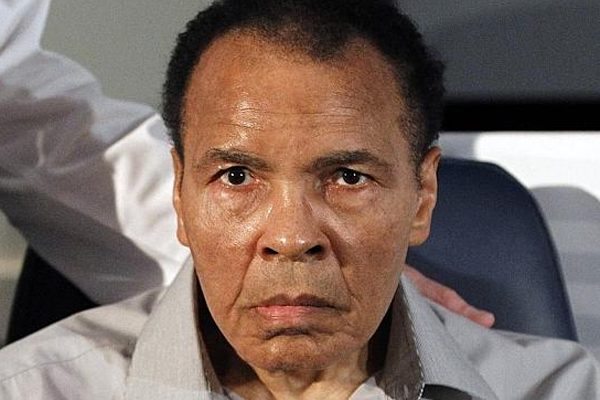 Muhammad Ali in hospital with pneumonia, his spokesman says