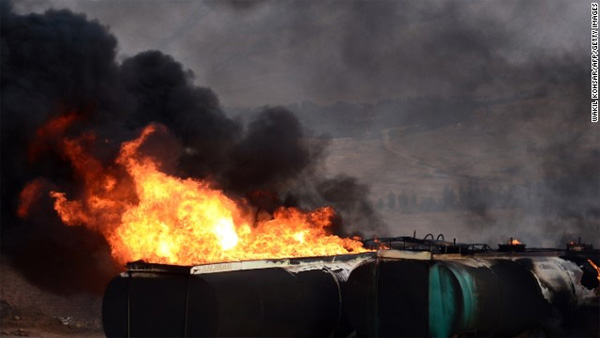 400 trucks burn on Afghan roads