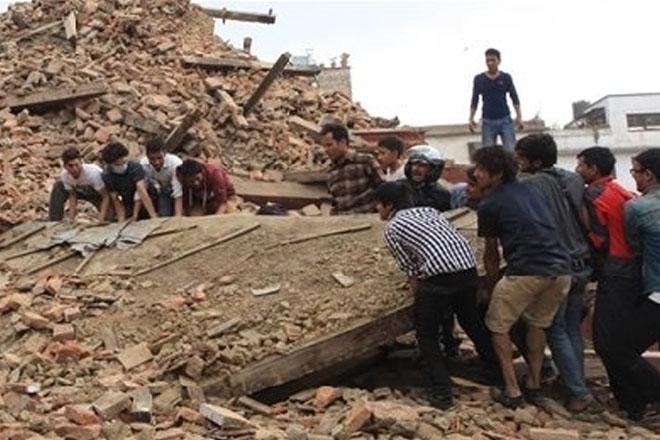 Riot police intervene as anger erupts among Nepal quake survivors