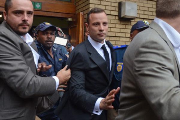 Oscar Pistorius lawyer pokes hole in defense testimony