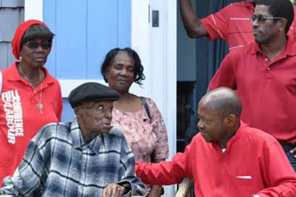 "PM grants Centenarian's wish to see ""The Houses"""