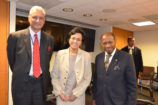 Prime Minister Douglas' led Commonwealth advocacy mission meets IMF, World Bank and IADB chiefs