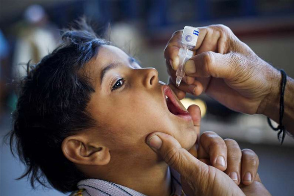 Over 500 Pakistani parents arrested for children's failure to get polio vaccine