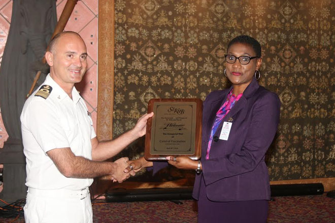 Carnival Fascination – plaque exchange