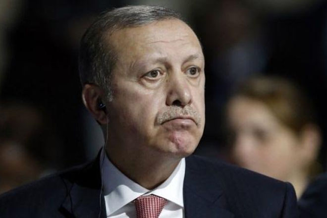 Syria conflict: Russia accuses Erdogan of trading oil with IS