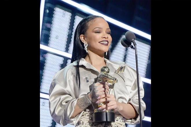 Rihanna Dedicates Award To Barbados And More