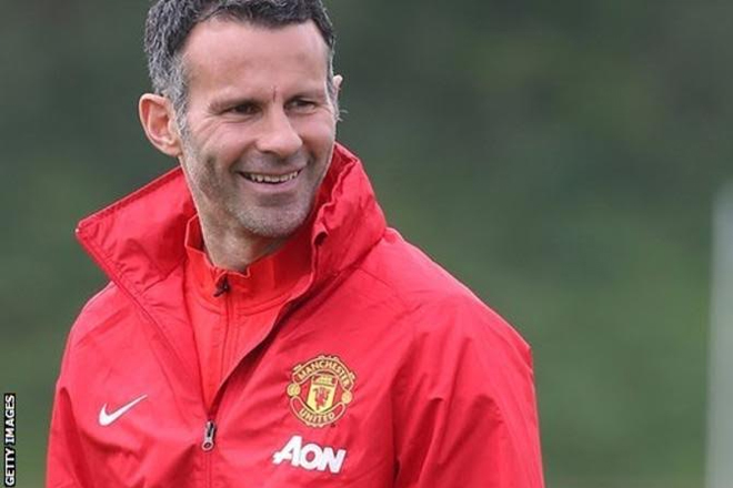 Ryan Giggs: Man Utd legend would be interested in managing Swansea