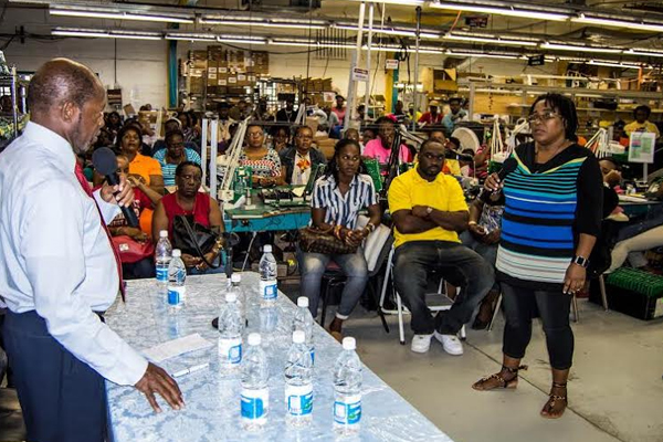 PM talks Economic Growth, Wages with Manufacturing workers