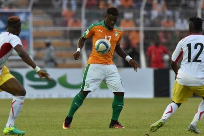 Serge Aurier: PSG & Ivory Coast man 'saves life' of Mali player