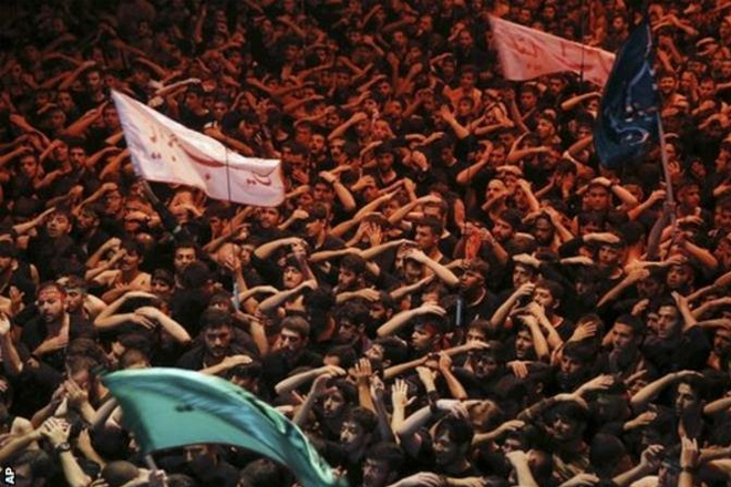 Iran v South Korea: Supporters asked to mourn at World Cup qualifier