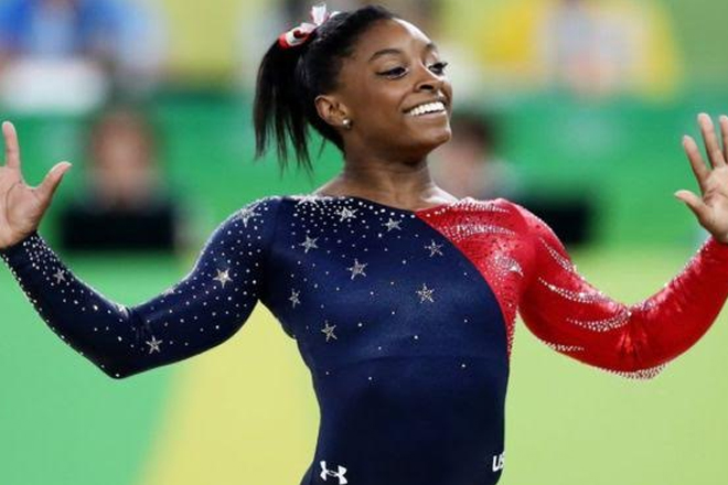 Olympic announcer apologises for comments about gymnast's parents