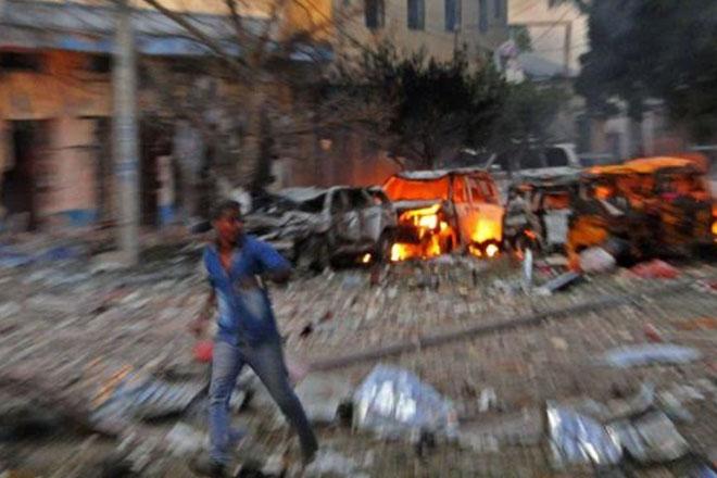 Somalia attack: Gunmen storm Mogadishu hotel after blast
