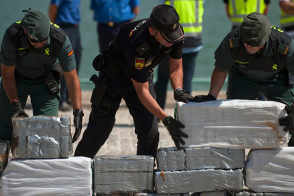 Spain nets a ton of cocaine in floating backpacks