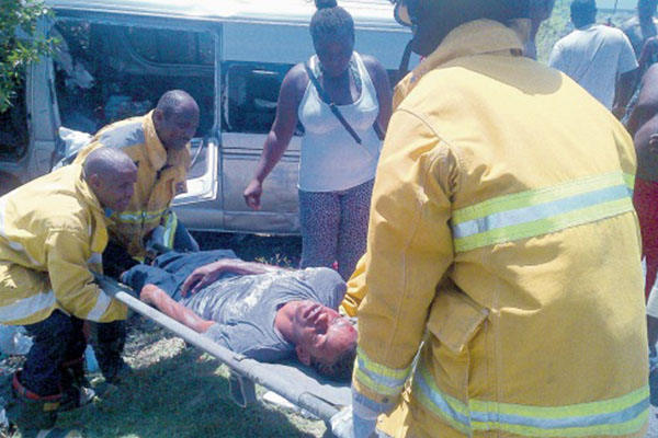 Beach outing ends in highway crash, many injured