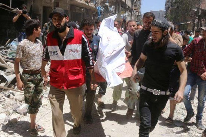 Syria conflict: Hospital 'hit in Aleppo air strike'