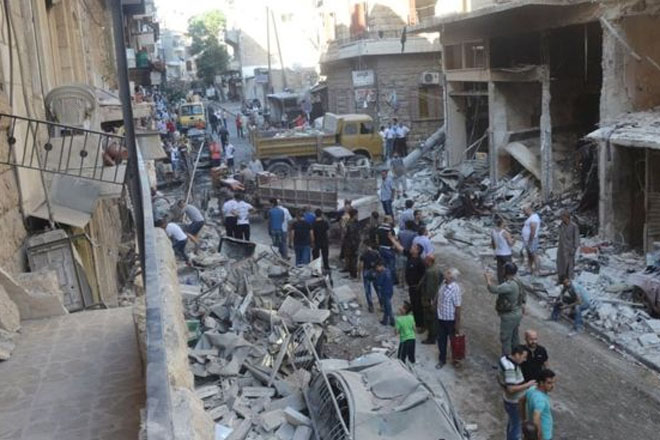 Syria conflict: Rebels launch attack in divided Aleppo