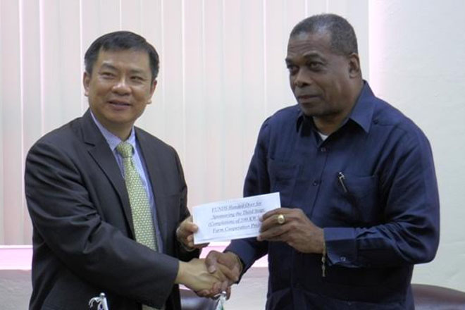 R.O.C. Taiwan Presents Cheques Totalling US$600 Thousand to Ministry of Public Infrastructure