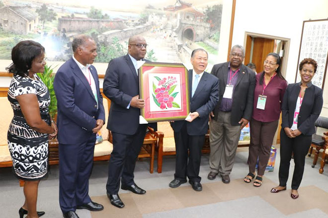 Prime Minister Harris discusses bilateral cooperation with Penghu County Government