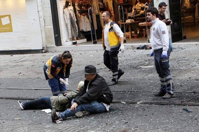 Istanbul shopping area hit by suicide bomber