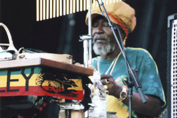 Percussionist 'Sticky' Thompson dies