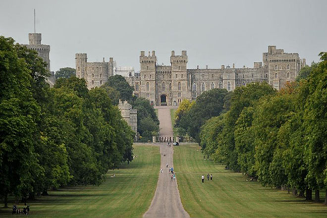 Queen's Windsor Castle staff threaten industrial action