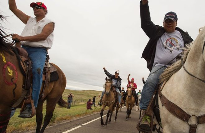 Dakota Access Pipeline: Authorities start removing protesters