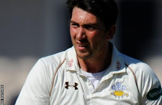 Surrey v Warwickshire: Hosts start season with innings victory at The Oval