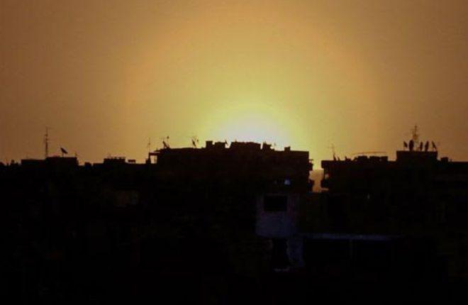 Syria war: 'Israeli strike' hits military site near Damascus airport