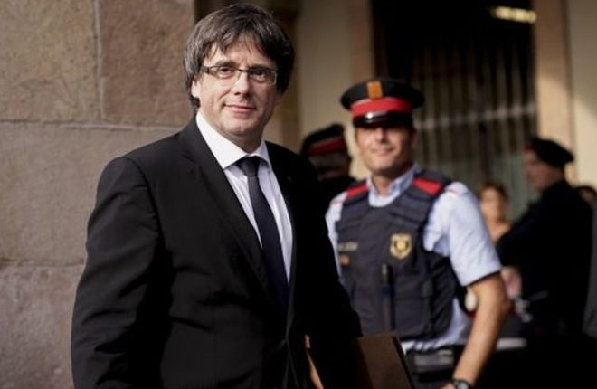 Spain Catalan crisis: Puigdemont to address region's future
