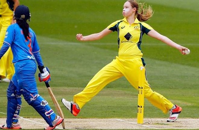 Women's Ashes: Lauren Cheatle & Tahlia McGrath in Australia squad