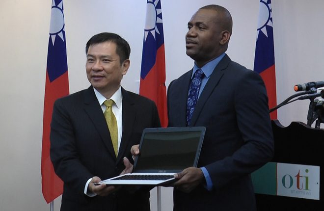 Ministry of Education receives laptop donation from ASUS Foundation of Taiwan