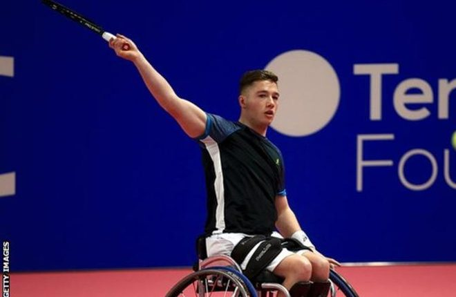 Wheelchair Tennis Masters: Alfie Hewett wins as Gordon Reid loses on day one