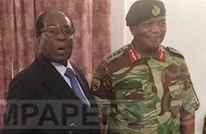 Zimbabwe latest: Mugabe in crunch talks over his future