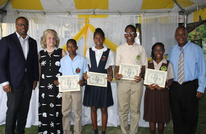 Students receive Alexander Hamilton Scholarship Award