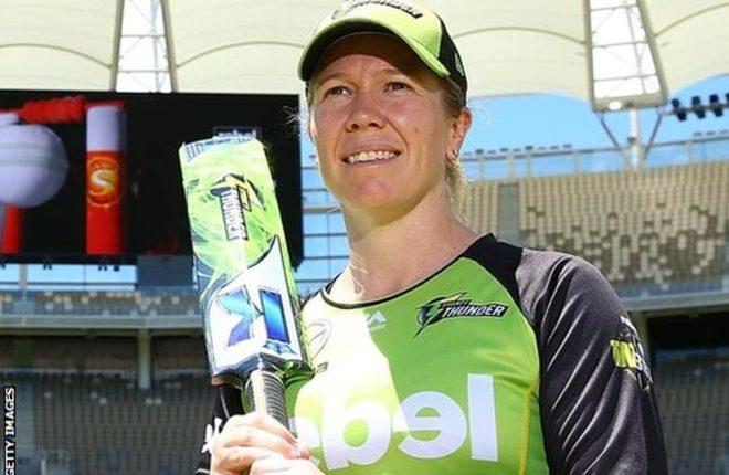 Alex Blackwell: Australia vice-captain announces retirement